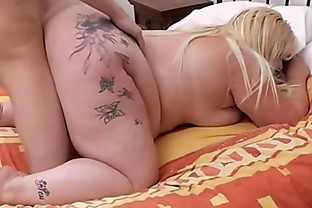 Hot 69 oral and cheating sex with blonde bbw