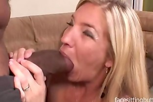 Milf babe called the escort service for the biggest cock they had