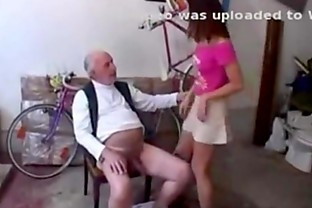 Iveta Zerni & bike-repair-man  17min.